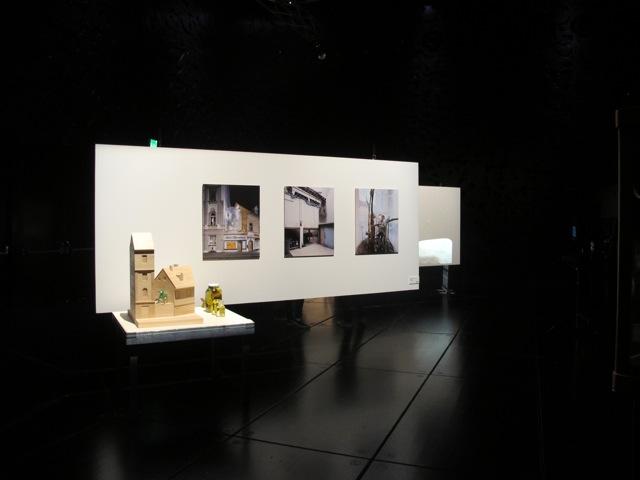 """Ausstellungsdisplays und Inszenierung der Ausstellung """"Klimars"""" MUMUTH, 2016"""