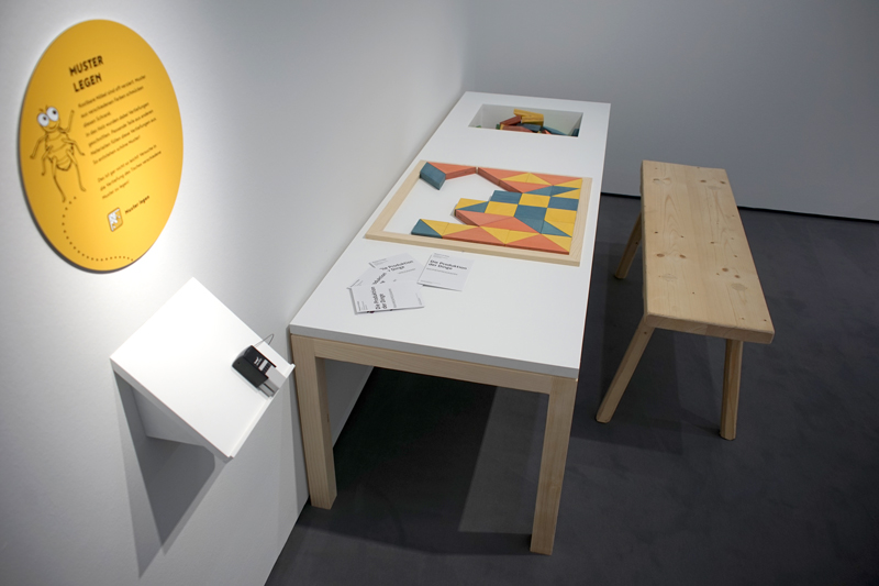 Ausstellungsansicht - Kinderschiene